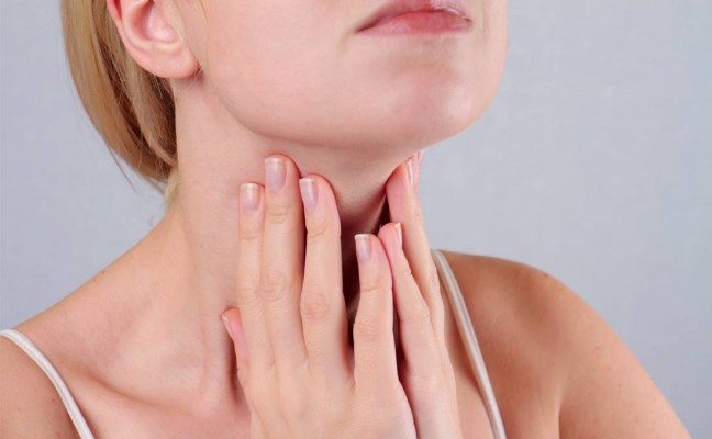 How to Get Rid of Throat Obstruction at Home Naturally?